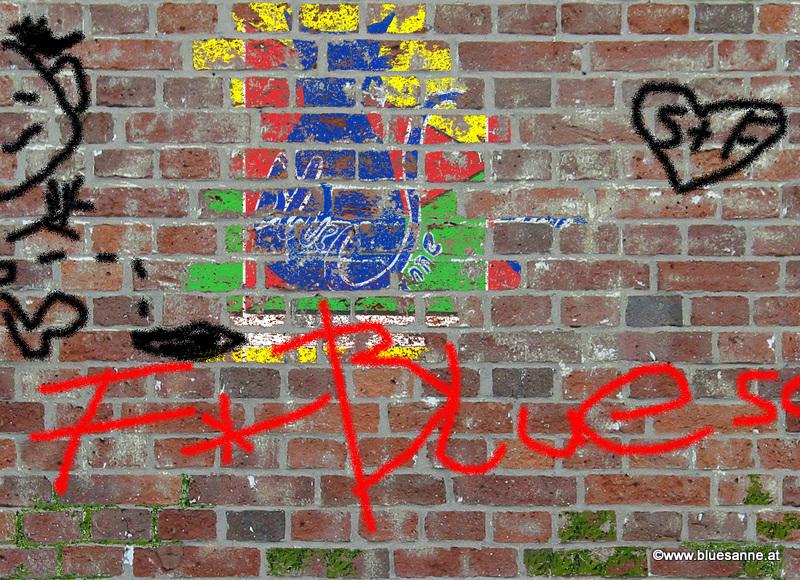 Bluesanne-Logo auf alter Ziegelmauer...in 100 Jahren
